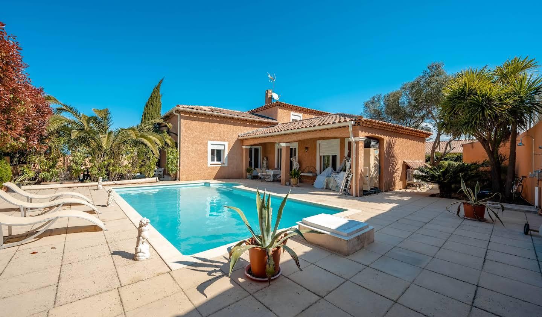 Villa avec piscine et terrasse La moutonne