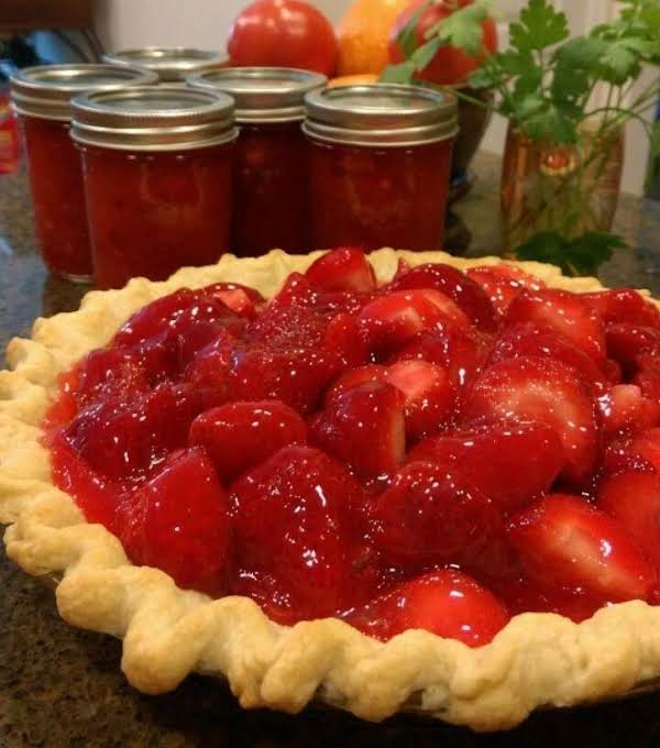 Farmhouse Strawberry Pie Recipe