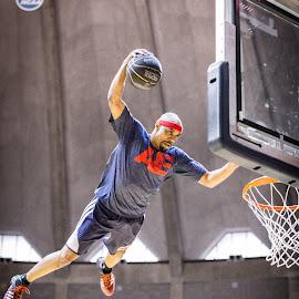 by Craig Gunter - Sports & Fitness Basketball
