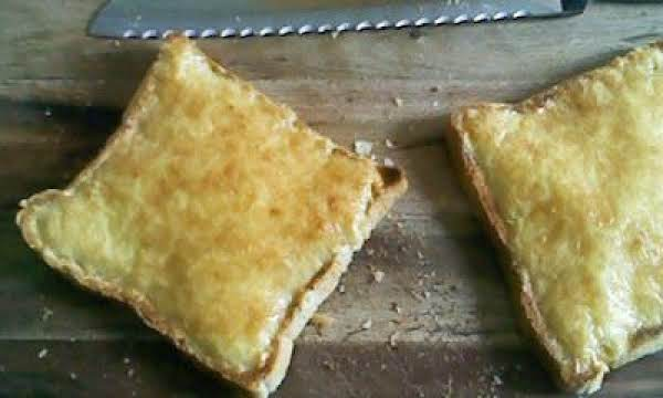 Puffy Cheese & Egg Toast Recipe