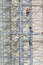 Photo: Climbing the scaffolding on the Washington Monument