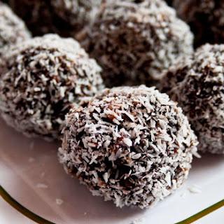Chocolate Kahlua Christmas Balls.