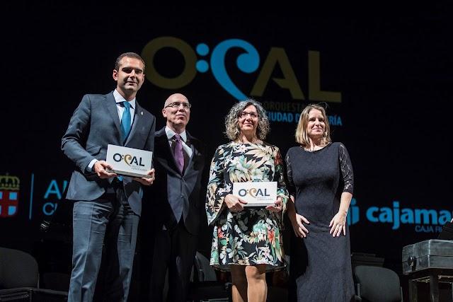 Foto de familia de los patrocinadores y la OCAL.