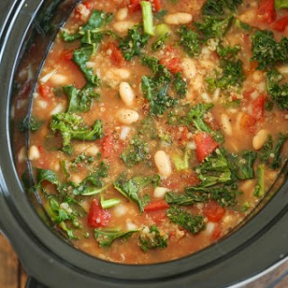 Slow Cooker Tomato, Kale and Quinoa Soup