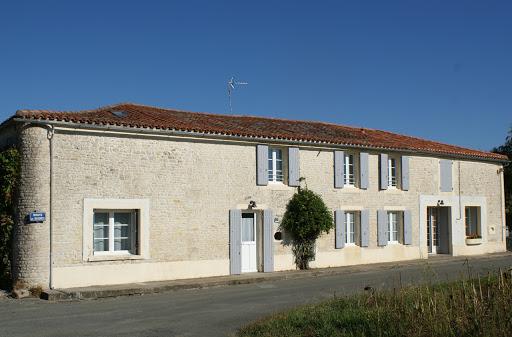 Casa rural de alquiler para 6 a 7 personas en Surgeres cerca de La Rochelle costa atlantica de Francia