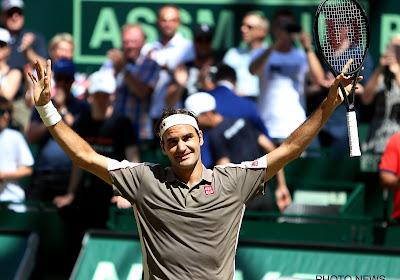 Roger Federer verslaat Clarke eenvoudig in drie sets