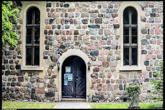 Photo: Die gepflegte Kirche in Löwenberg wurde bereits im 13. Jahrhundert errichtet