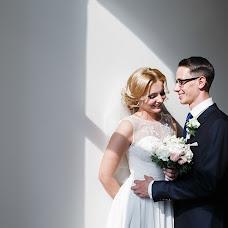 Wedding photographer Vadim Zakharischev (yourmoments). Photo of 21.02.2016