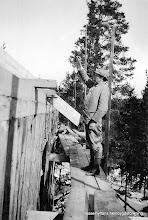 Photo: Vasselhyttans bygdegård, Gustaf Persson från byn var arbetsledare 1922