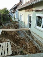 """Photo: Blick von der Garageneinfahrt her zu unserem """"Laufsteg"""""""