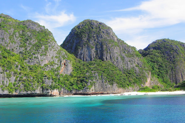 Head to Koh Phi Phi Leh which is covered with green limestone cliffs