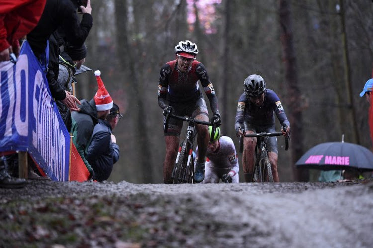 """Lucinda Brand na zege in Kortrijk: """"Het is heel mooi om hier voor het eerst te winnen"""""""