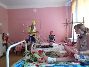 Photo: Доктор Фантик и Доктор Лампочка в отделении травматологии в детской больнице на Космической.  19.06.2015
