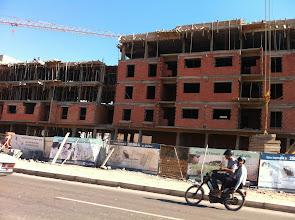 Photo: Nombreuses constructions autour de Casablanca