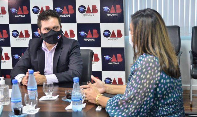 http://www.ale.am.gov.br/wp-content/uploads/2021/07/02-Dep.-AI-lvaro-Campelo-Assembleia-Legislativa-e-OAB-anunciam-a--capacitacI-aI-o-para-conselheiros-tutelares-640x380.jpg