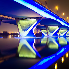 by RJ Ramoneda - Buildings & Architecture Bridges & Suspended Structures