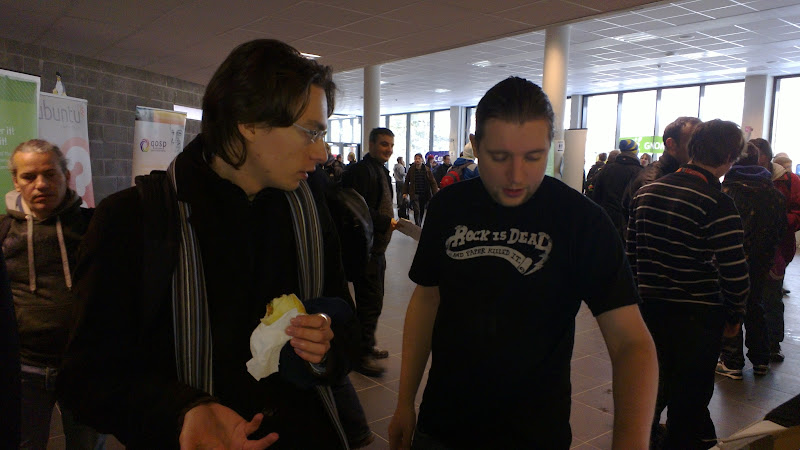 Photo: Jos demoing openSUSE with funky t-shirt at fosdem 2012