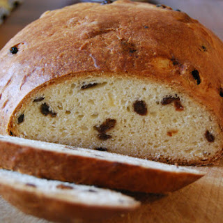 A History of the Selkirk Bannock, Including Recipe for Making Your Own Recipe