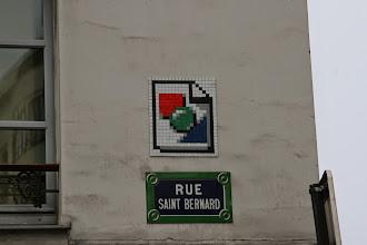 Photo: Street art - Space invaders - Paris XIe - rue St Bernard