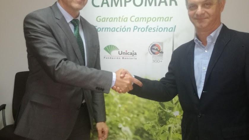 Antonio Rodríguez y Luis Suanzes tras la firma del acuerdo