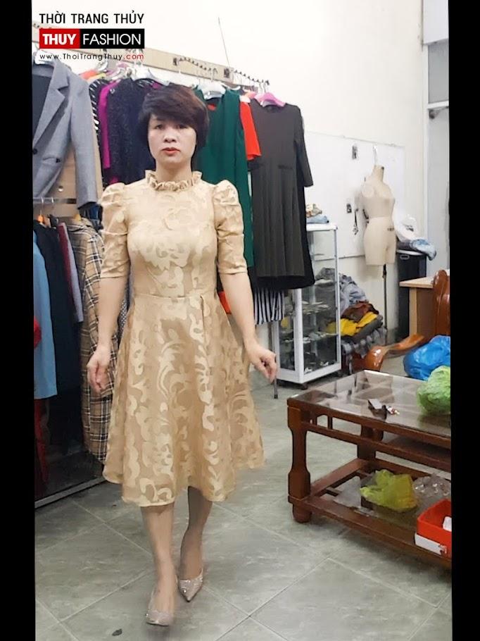 Mix đồ Váy xoè Midi với Áo khoác vest nữ thời trang thuỷ hải phòng