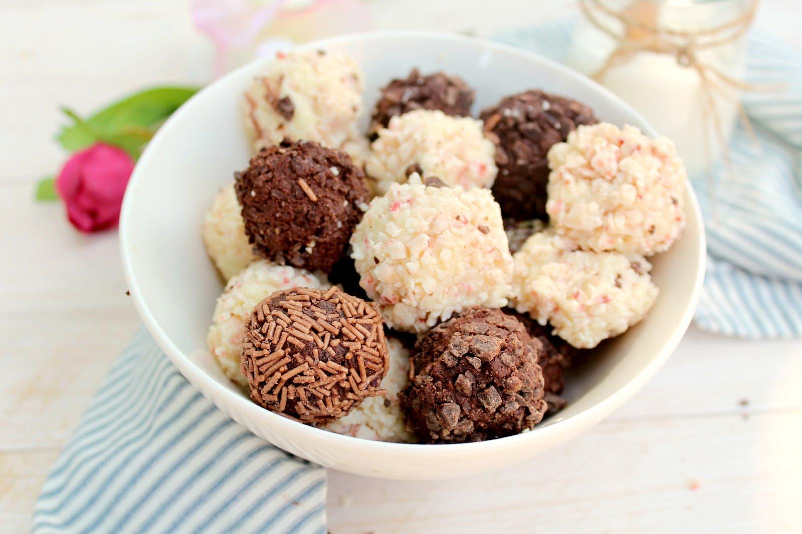 3 Ingredient Greek Yogurt Truffles: much healthier than most versions, and still creamy and fudgy!