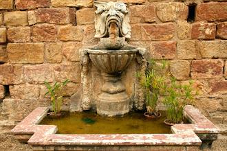 Photo: fontein in de abdij van Fonfroide