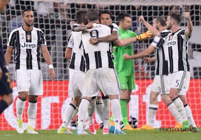 Juventus heeft Douglas Costa dan toch te strikken