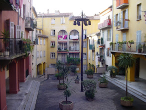 Photo: Back in the city, and passing this picturesque courtyard in the old city, on the way to La Colline du Chateau (Chateau Hill), where Nice was founded.