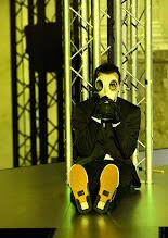 Photo: BURGTHEATER/ Kasino: DOSENFLEISCH von Ferdinand Schmalz. Premiere 18.9.2015. Inszenierung: Carina Riedl. Timo Hillebrand. Copyright: Barbara Zeininger