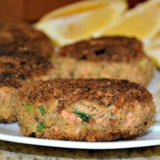 Simple Salmon Cakes.
