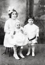 Photo: Minnie, Edith, and Leo Markheim