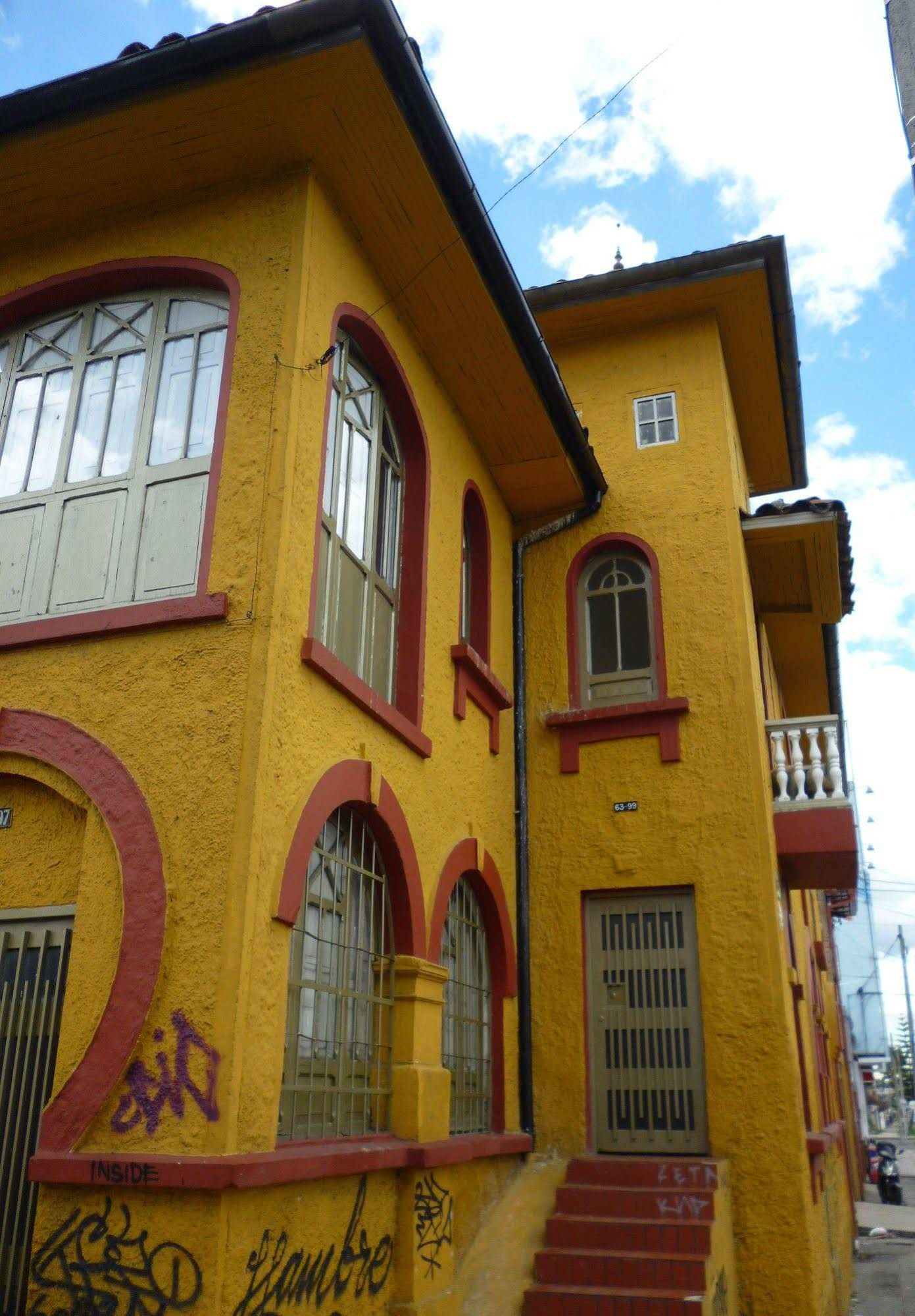 B and B CQ Lourdes Hostel