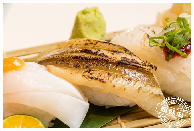 碳鰭日式家庭料理星鰻握壽司