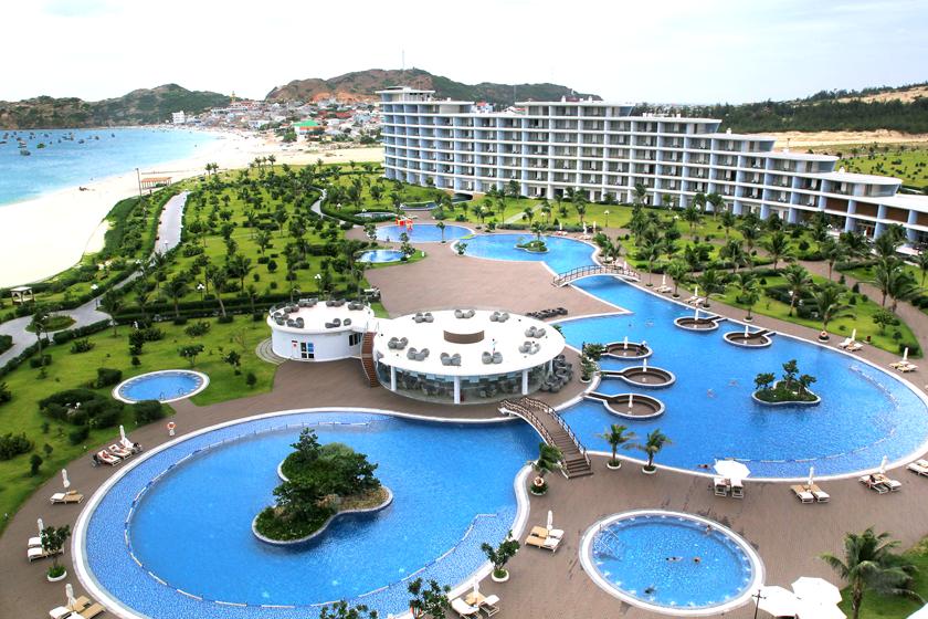 Ocean Pool FLC Luxury Hotel Quy Nhơn