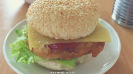 KFC Style Crispy Chicken Zinger Burger