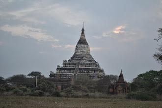 Photo: Sunrise at Shwsandaw pagoda