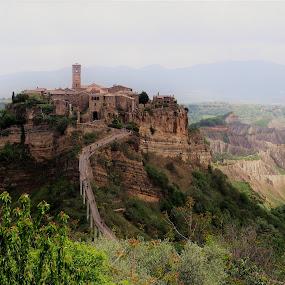 by Lourdes Ortega Poza - Landscapes Mountains & Hills ( italia, pueblo, arboles, montañas, primavera, historia, medieval, colina )