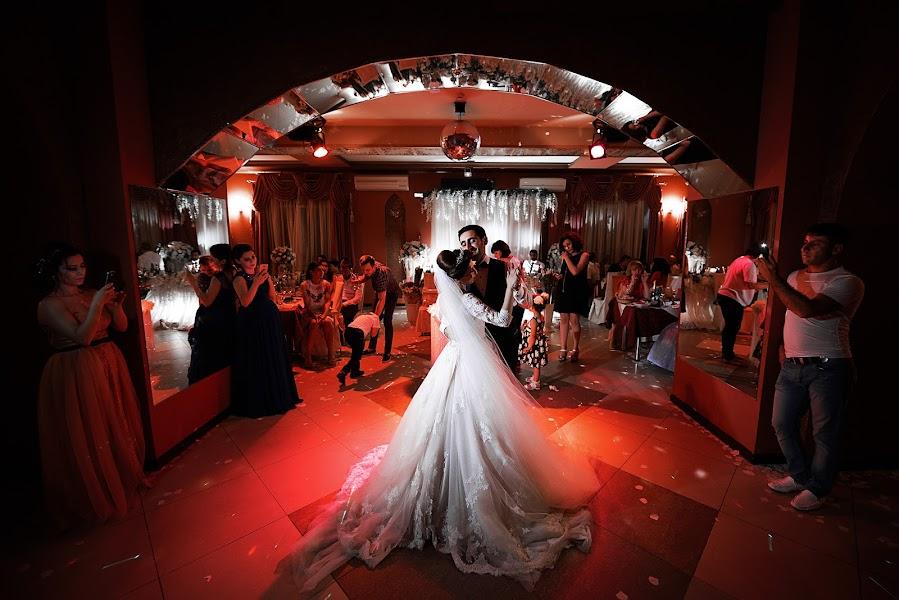शादी का फोटोग्राफर Aleksey Antonov (topitaler)। 08.08.2017 का फोटो