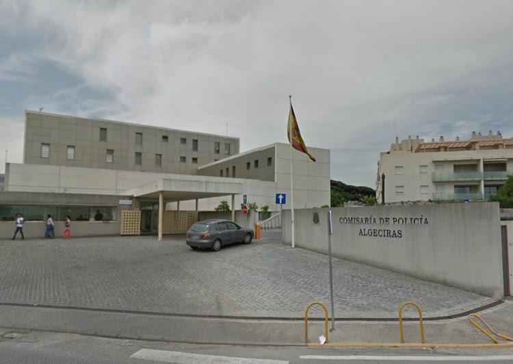 """Incautados cerca de 3.000 kilos de hachís procedentes de Gibraltar y Marruecos ocultos en una embarcación """"caleteada"""""""