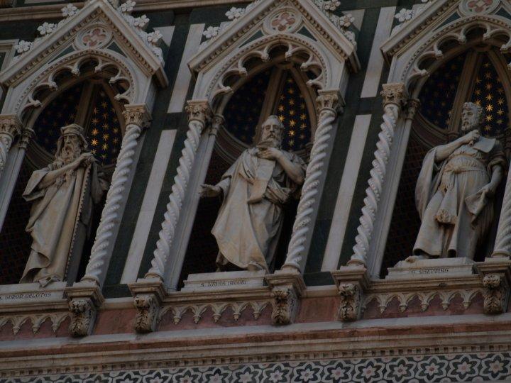 Statue avvolte da stelle. di aidoru