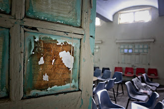 Photo: Common Rooms with test-paper of 1985-86 as Window Covers!