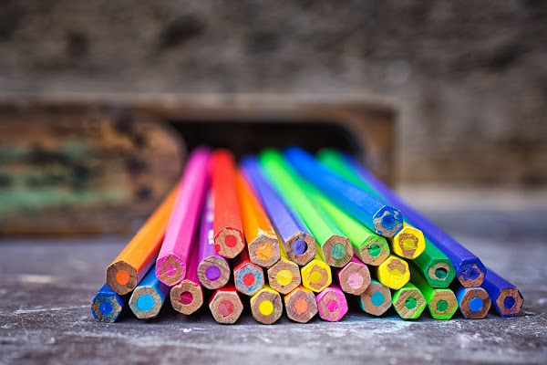 Il mondo in un astuccio di matite colorate di IsideB