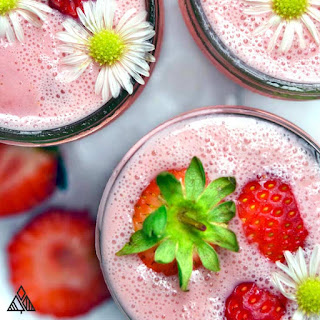 Low Carb Strawberry Smoothie.