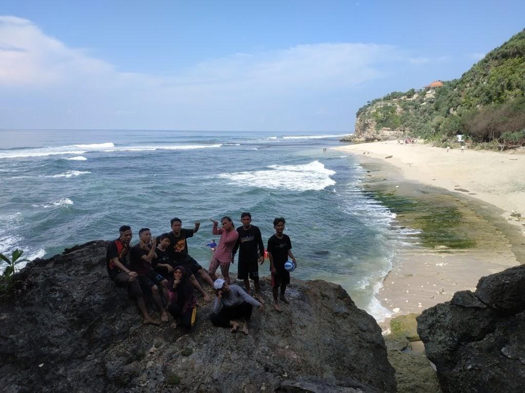 Pantai Sanglen gunungkidul