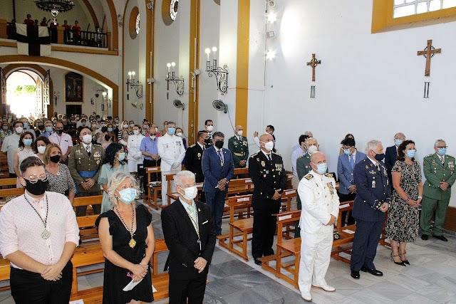 Presidieron el acto el comandante naval y el hermano mayor de la Virgen del Carmen.