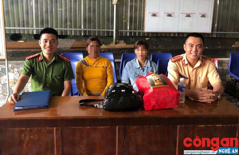 Nhờ CBCS Công an huyện Tương Dương, mẹ con chị Th. mới được đoàn tụ