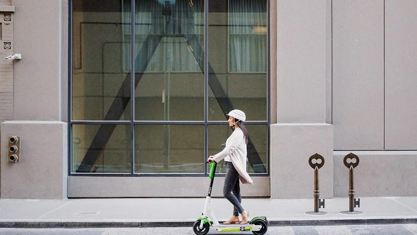 Ayuntamiento y DGT trabajan en la regulación del uso de los patinetes eléctricos.