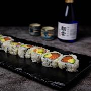 227 Salmon Avocado Roll