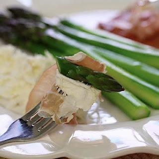 Asparagus Spears with Burrata & Prosciutto